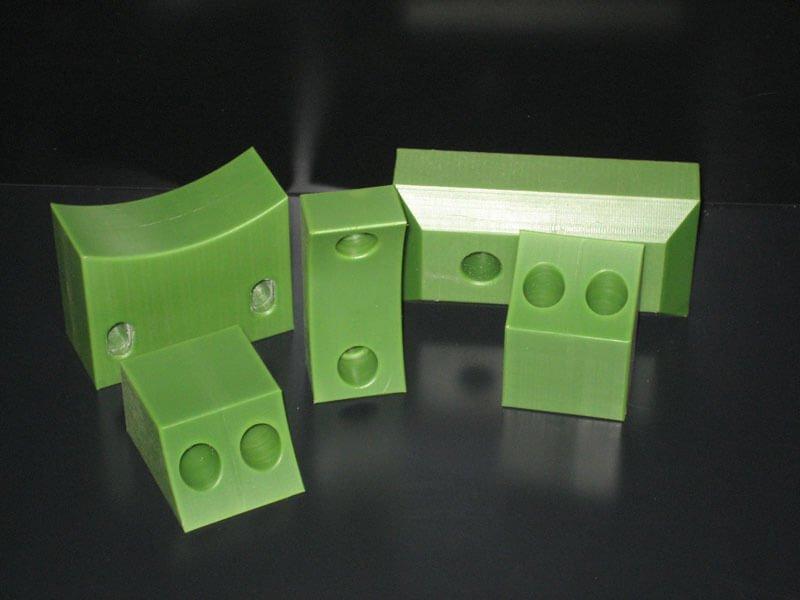 Oliegevuld nylon Oilon part - Bespex kunststof bewerking